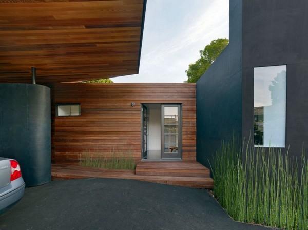 Casa de madera sencilla con detalles modernos