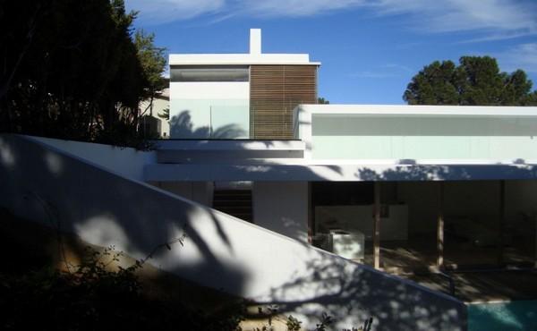 planos_de_diseño_moderno_en_residencia_africana_con_piscina_16