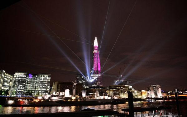 Imagen de edificio mas alto de Europa