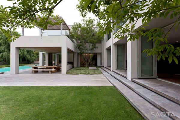 Grandioso diseño arquitectónico en Sudafrica con detalles selváticos (17)