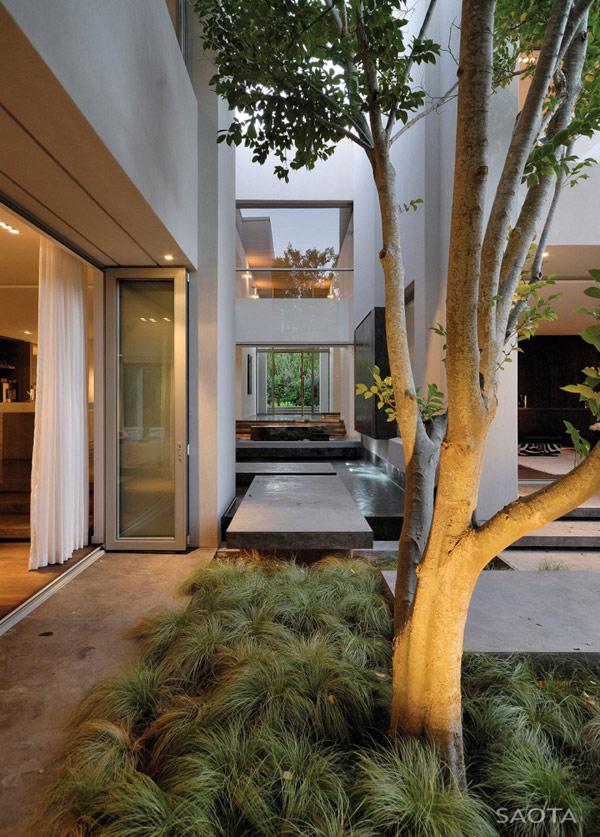 Grandioso diseño arquitectónico en Sudafrica con detalles selváticos (14)