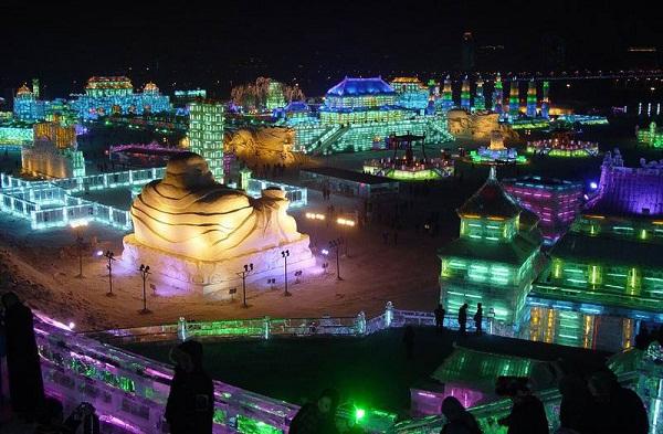 Arquitectura hecha de hielo en china (14)