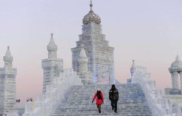 Arquitectura hecha de hielo en china (4)