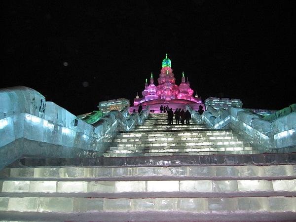 Arquitectura hecha de hielo en china (2)