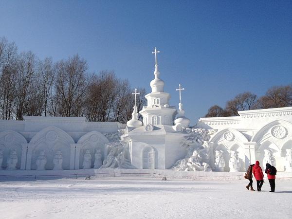 Arquitectura hecha de hielo en china (12)