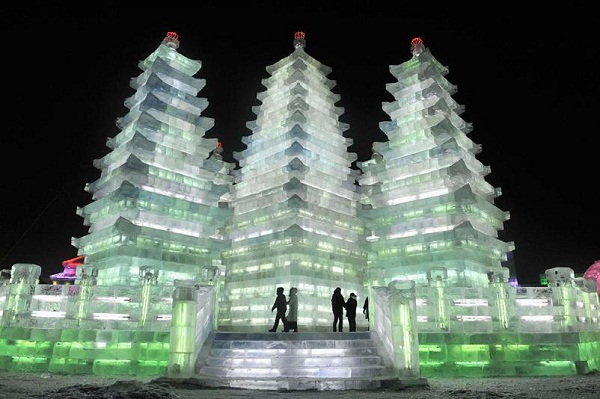 Arquitectura hecha de hielo en china (10)