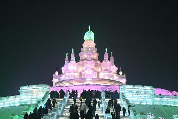 Arquitectura hecha de hielo en china (6)