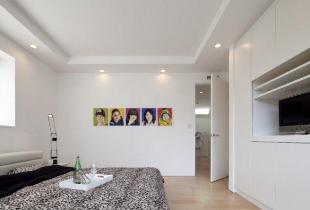 Casa moderna con diseño de interiores ZEN