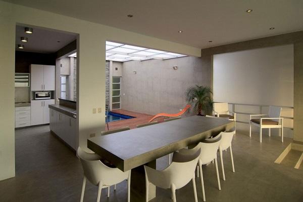 Amor y relajación en casa modernizada del Perú Gomez de la Torre & Guerrero Arquitectos