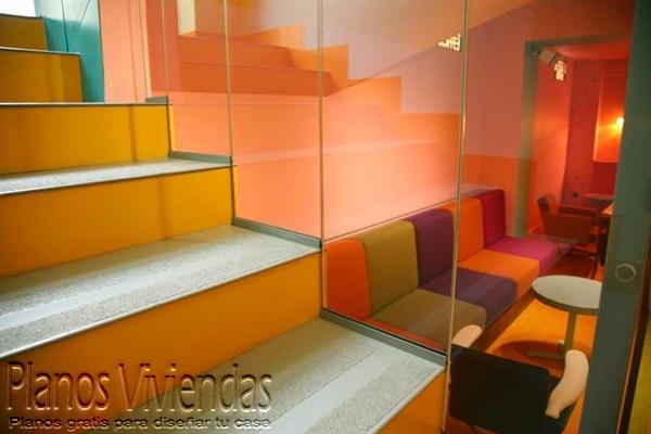 Geometría y originalidad en cafetería polaca símbolo de distinción (8)