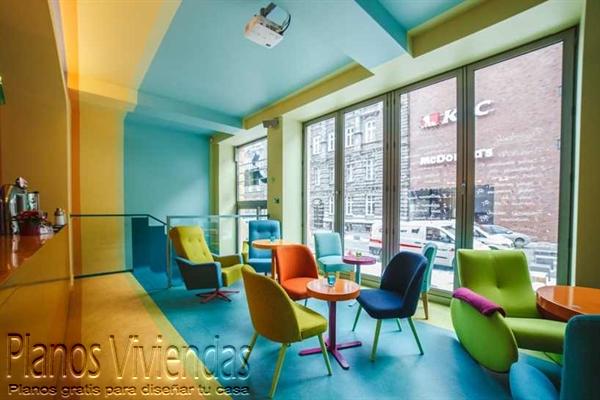Geometría y originalidad en cafetería polaca símbolo de distinción (7)