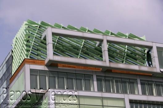 Bello detalle arquitectónico en los interiores de la cámara de comercio Eslovena
