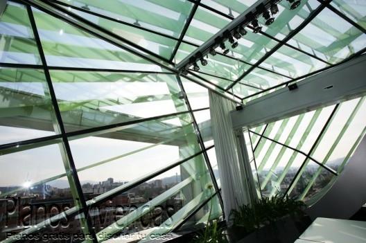 Bello detalle arquitectónico en los interiores de la cámara de comercio Eslovena (3)