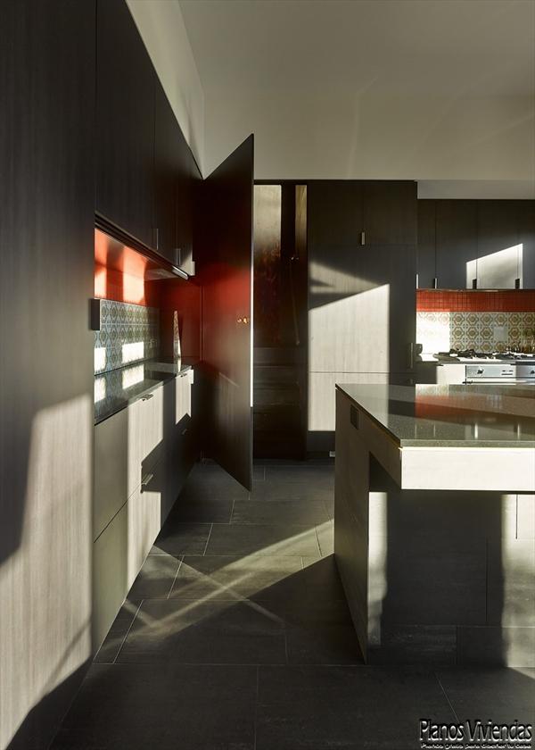 Interiores de la sala y cocina en la Casa 31_4 Room House (4)