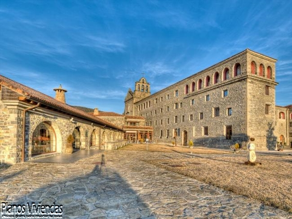 Monasterio hecho de piedra dimensiones precisas desde hace mas de tres siglos (1)