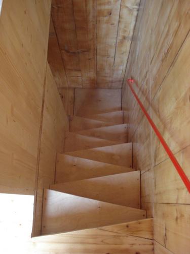 Planos de casa en madera con tres pisos para una persona (12)