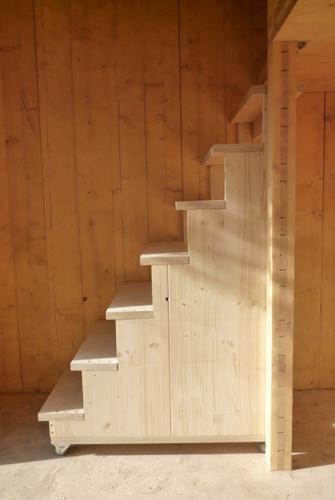 Planos de casa en madera con tres pisos para una persona (15)