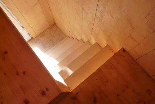 Planos de casa en madera con tres pisos para una persona  (16)