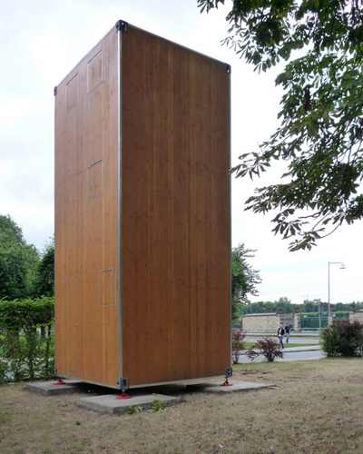 Planos de casa en madera con tres pisos para una persona  (2)