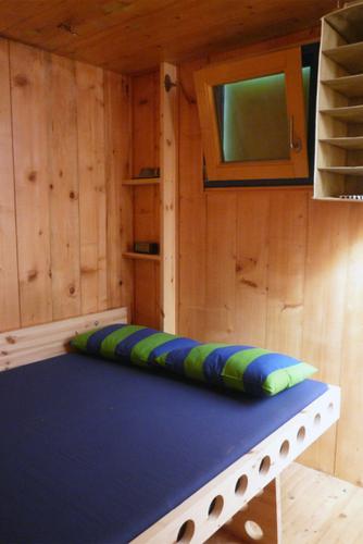 Planos de casa en madera con tres pisos para una persona (6)