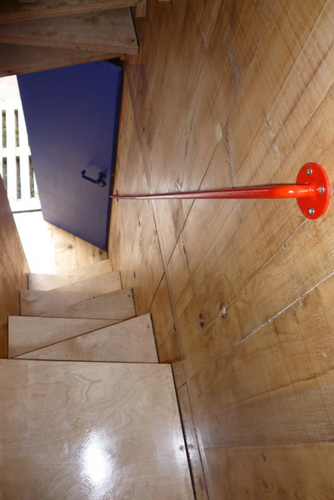 Planos de casa en madera con tres pisos para una persona  (7)