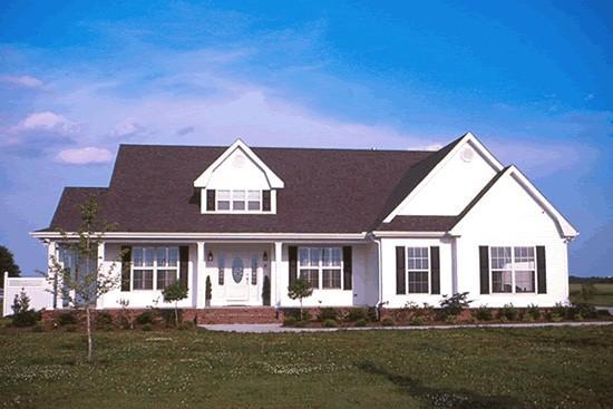 Hermosa fachada amplia de la casa
