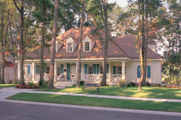 Una hermosa casa entre árboles