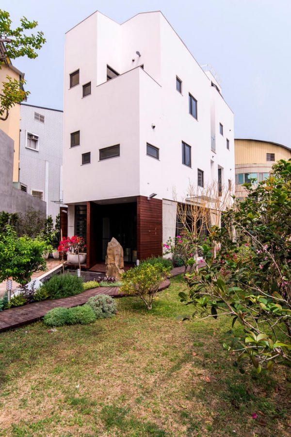 Edificio-inspirado-en-la-naturaleza-a-través-de-una-casa-de-piedras-en-la-ciudad-de-Changua,-Taiwán-01