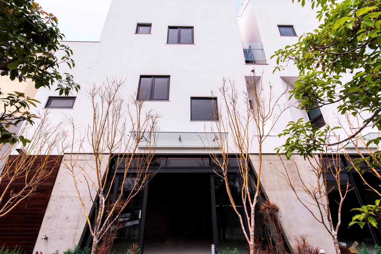 Edificio inspirado en la naturaleza a través de una casa de piedras en la ciudad de Changua, Taiwán