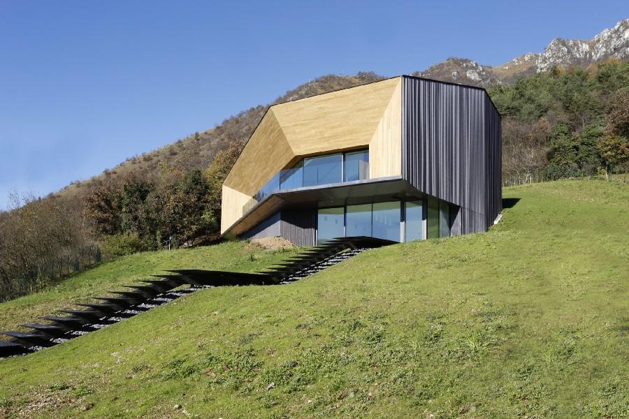 Planos de vivienda moderna y elegante en Italia de 360 metros cuadrados