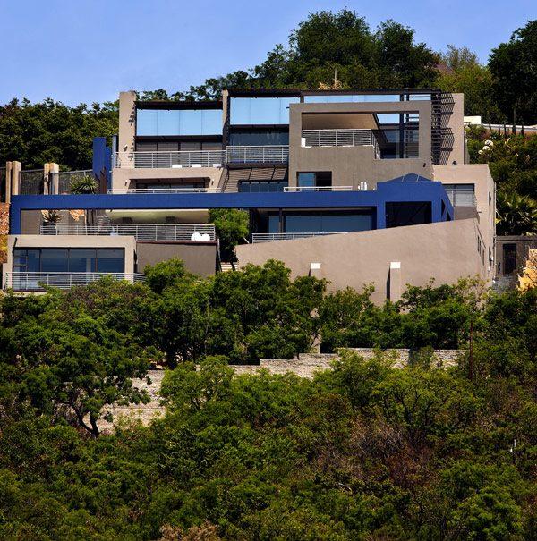 casa bonita con ventanas amplias
