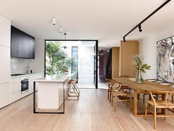 Amplias ventanas y amplio espacio