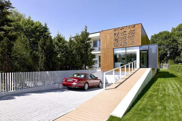 Diseño bonito y amplio con jardín
