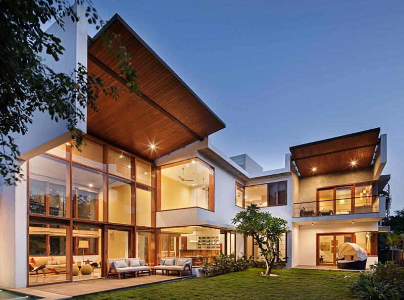 Casa moderna con excéntrico Jardín L-Plan en la ciudad de Bangalore, India que te da una sorpresa