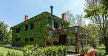 Casa de campo en Italia que se une con el paisaje para un nuevo estilo de vida
