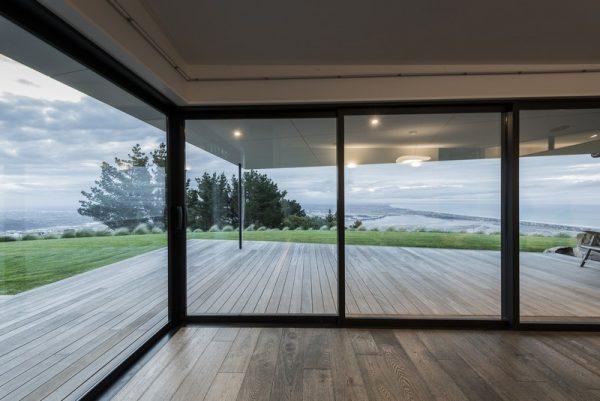 Amplias ventanas para observar el paisaje