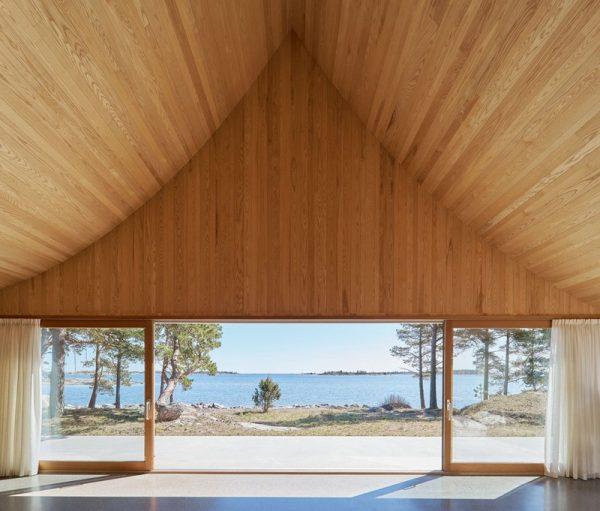 Amplio lugar de madera