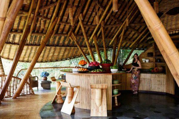 Hecha a base de bambú