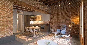 Inmueble renovado en la ciudad de Barcelona con nuevos elementos originales
