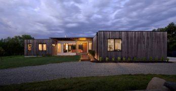 Una casa de madera que se adapta a todo tipo de terreno y clima
