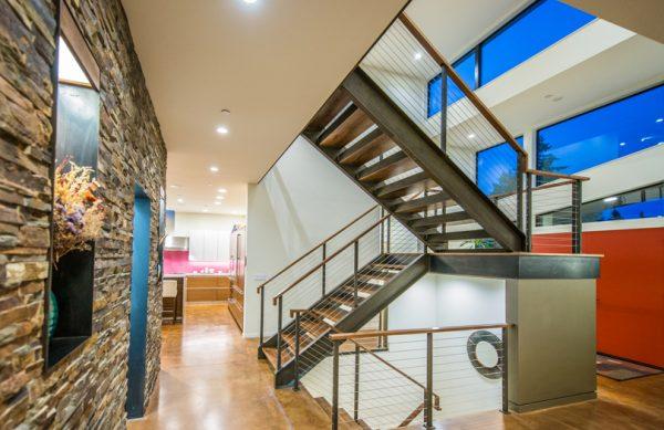 Unas escaleras moderna y bonitas