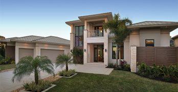 Diseño de casa moderna y lujosa de dos plantas junto al rio