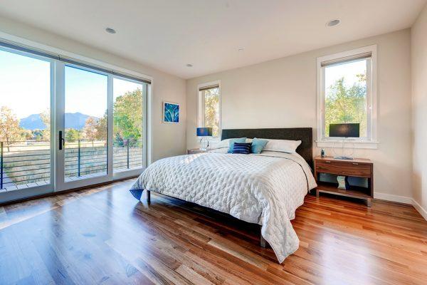 Diseño de cama muy bonita y muy bien acomodada