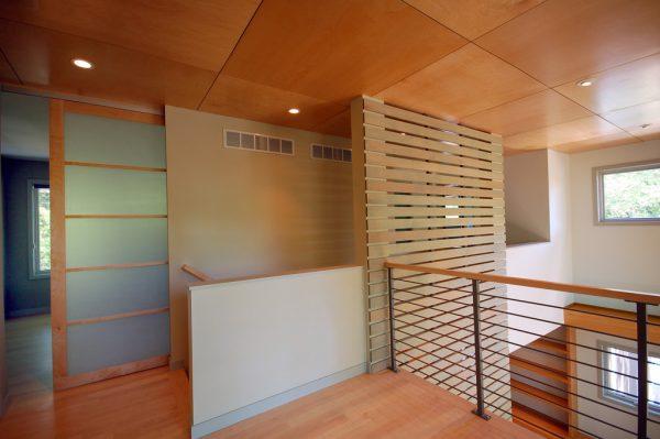 En la segunda planta un diseño con madera