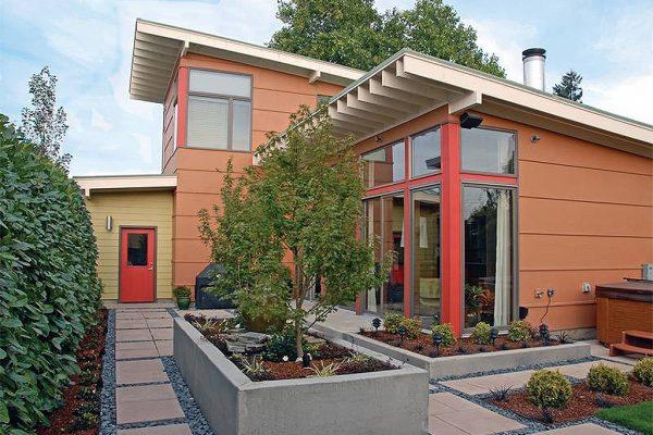 Bonito diseño exterior con jardines